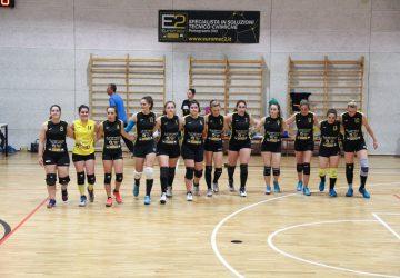 foto di gruppo Vola Volley Cinto